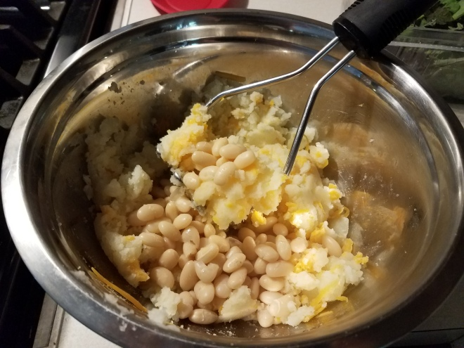 Mashed potatoes with beans